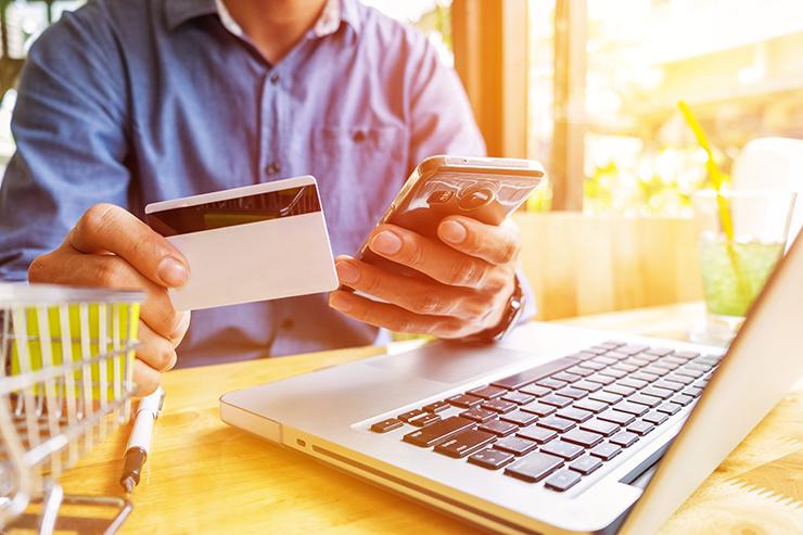 クレジットカード現金化は比較サイトで業者情報をチェックすると信頼度アップ!